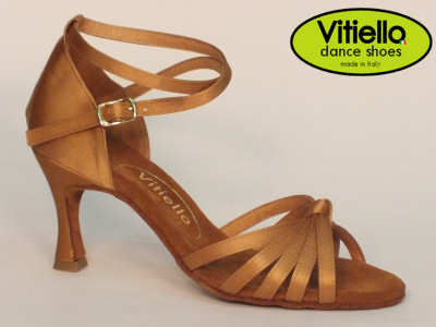 Click here to view image Latin dance shoes for ladies made in tanganika cloth satin with crossed node and heel 70N