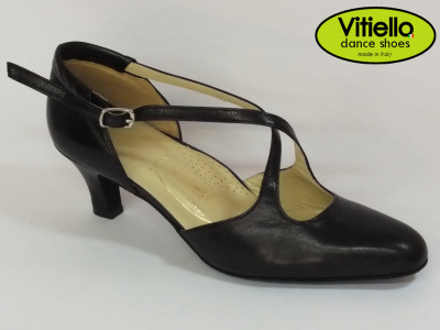 Click here to view image Women's dance shoes for Standard dances genuine black leather heel 50R and cross strap